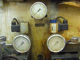 FLUID FILLED PRESSURE GAUGES